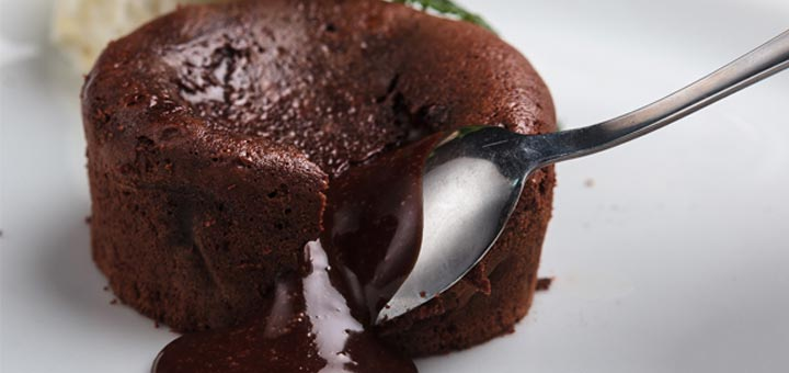 Raw Chocolate Molten Lava Cakes with Goji Berries
