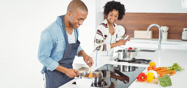 black-couple-cooking