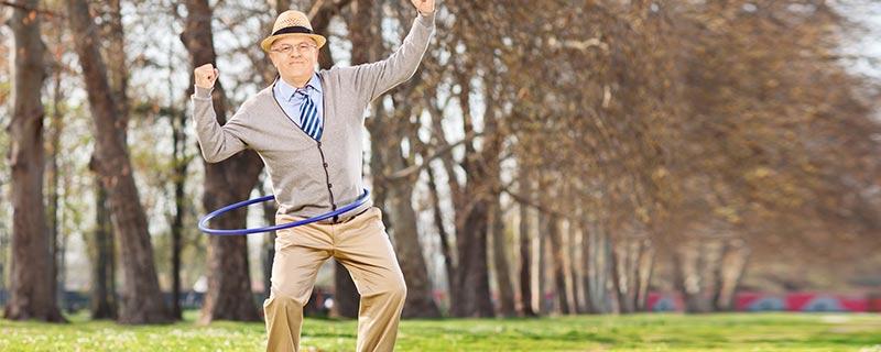 old-man-hula-hoop