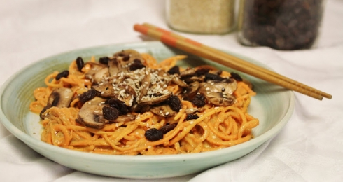 Yam Noodles with Sweet Sauce and Mushrooms