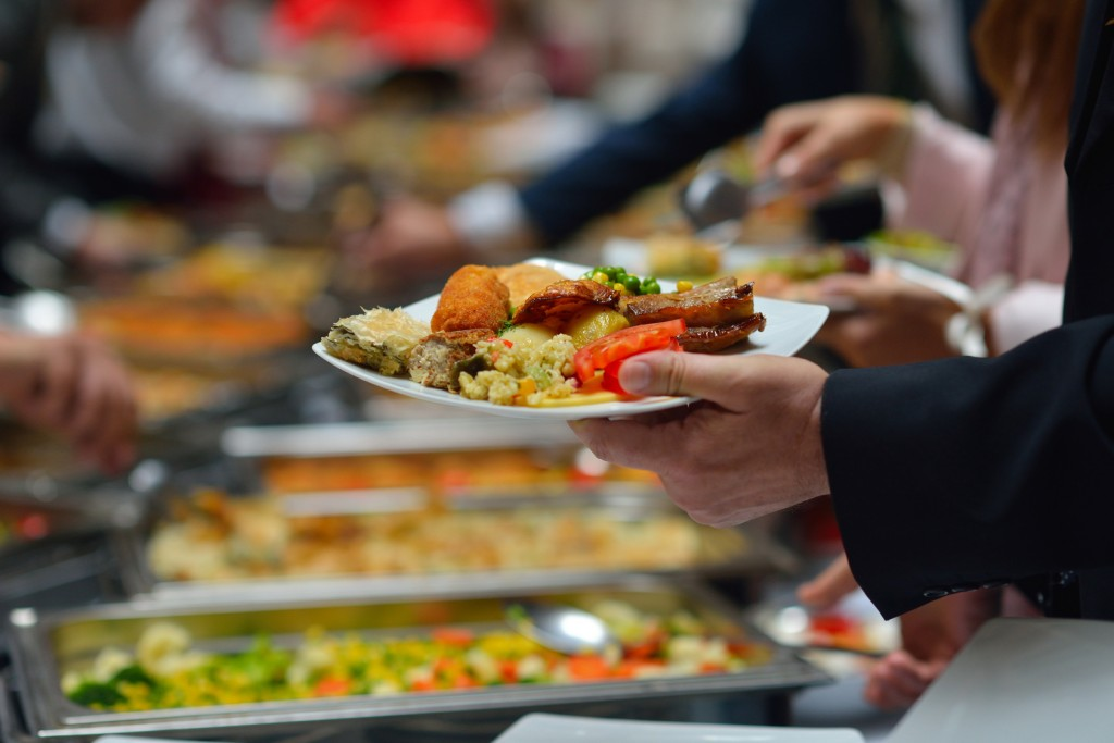 14 Tips to Thwart Thanksgiving Weight Gain