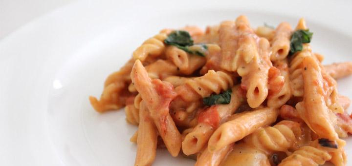 One Pot Creamy Tomato Basil Lentil Pasta