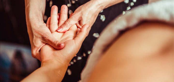 Rub Your Index Finger To Help Remedy Stomach Pain