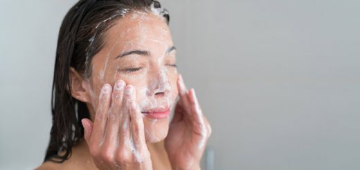 Reverse The Effects Of Aging With This Sugar Scrub