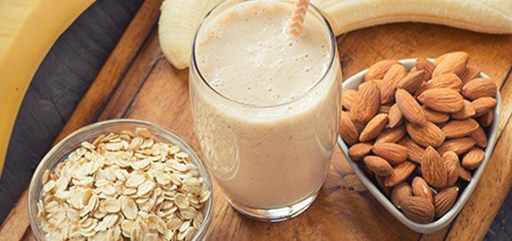 banana-almond-smoothie