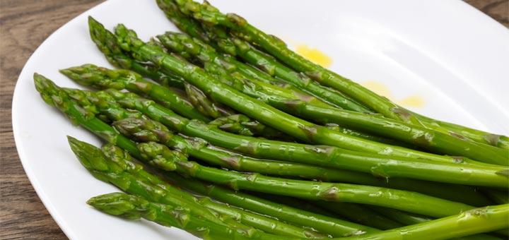 Boiled Asparagus With A Lemon Dijon Dressing