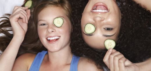 Get Rid Of Dark Circles Naturally With These Tips