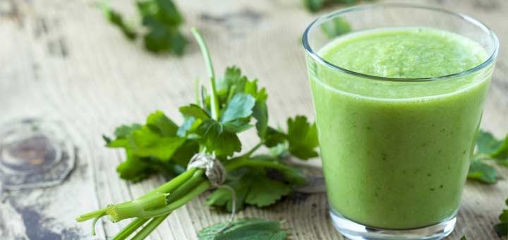 kale-parsley-smoothie