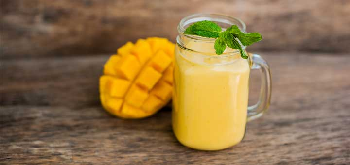 Turmeric And Mango Smoothie