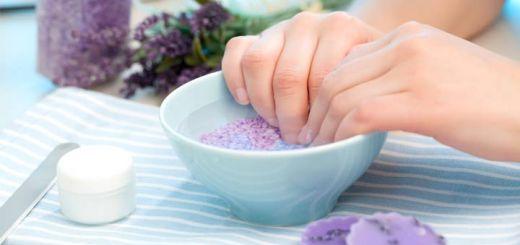 DIY Nail Soaks For Perfect Healthy Nails