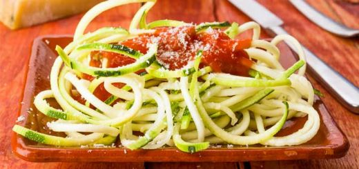 Roasted Garlic & Red Pepper Sauce With Zucchini Noodles