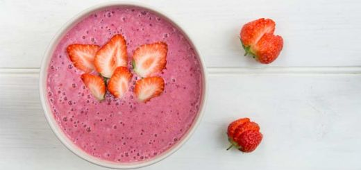 Strawberry Banana Breakfast Smoothie Bowl