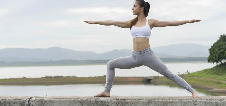 How The Warrior II Pose Can Improve Digestion
