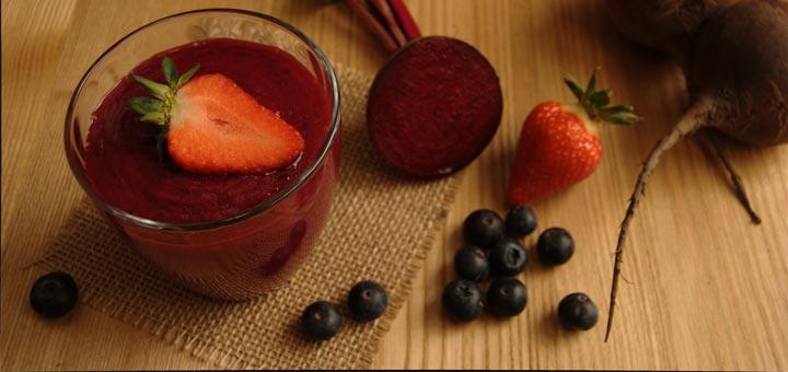berry-beet-detox-smoothie