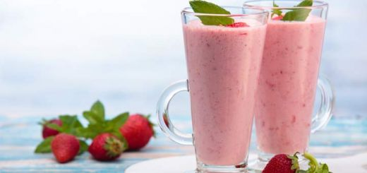 Berry Breakfast Energy Smoothie
