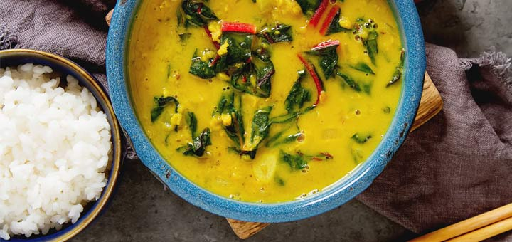 Raw Vegan Curry With Marinated Mushrooms & Onions