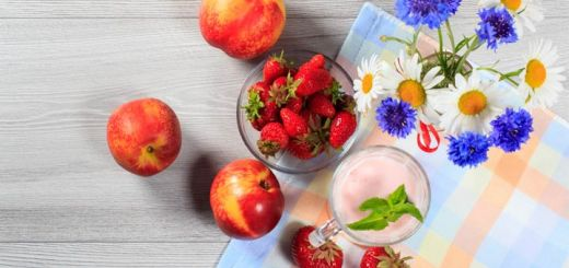 Refreshing Strawberry Nectarine Smoothie