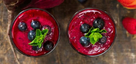 Beet & Berry Juice To Help Cleanse The Liver