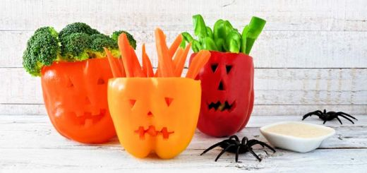 Jack-O-Lantern Bell Peppers Are Spooky Snacks