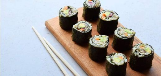Raw Sushi Rolls With Cauliflower Rice