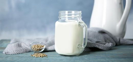 Experimenting With Seed Milks: 4 Rawsome Recipes