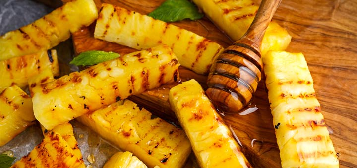 Grilled Pineapple With A Cinnamon Honey Drizzle