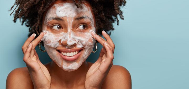 black-girl-face-wash