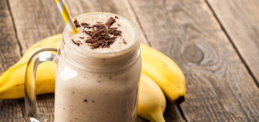 Banana Cacao Recovery Smoothie