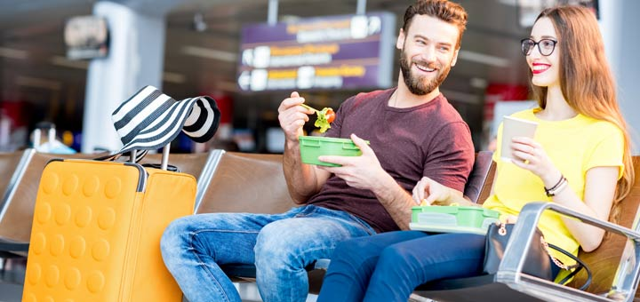 Tips For Eating Raw Foods While Traveling