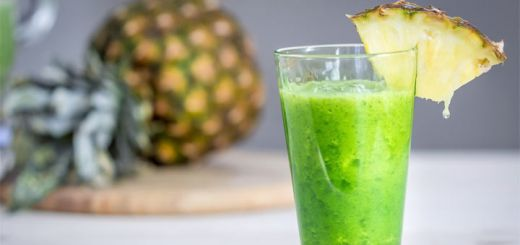 Pineapple And Mango Green Smoothie