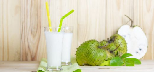 Tropical Soursop Smoothie