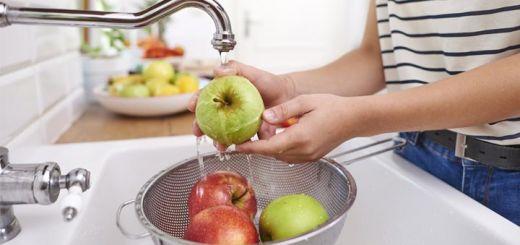 DIY Fruit And Veggie Spray Wash