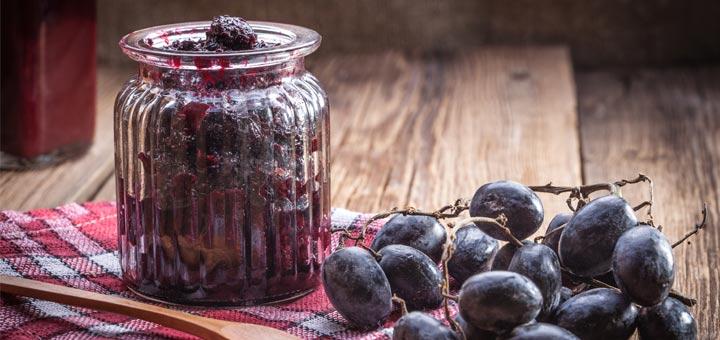 Raw Vegan Chia Seed Grape Jam