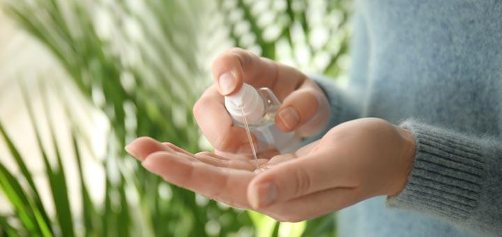 2 DIY Natural Hand Sanitizer Recipes
