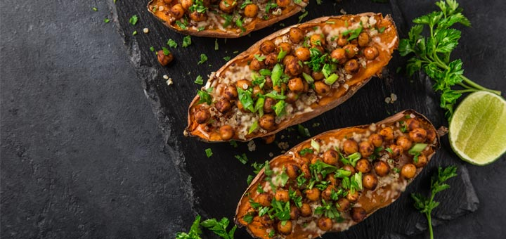 Sweet Potatoes Stuffed With Kale And Chickpeas