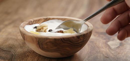 Simple Raw Vegan Sugar-Free Yogurt
