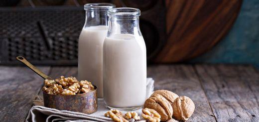 Raw Vegan Homemade Walnut Milk
