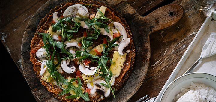 Raw Pizza With Red Pepper Flax Crust
