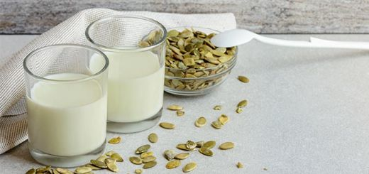Homemade Raw Vegan Pumpkin Seed Milk