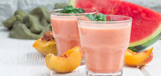 Summer Smoothie With Peaches & Watermelon