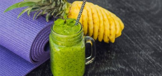 The Ultimate Antioxidant Rich Green Smoothie
