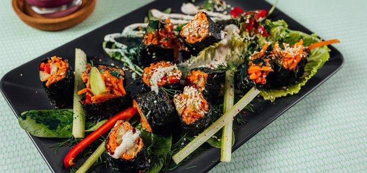Raw Carrot Coriander Rice Sushi Wraps