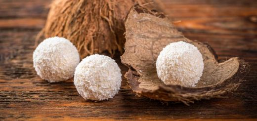 Raw Vegan Coconut Snowball Energy Bites
