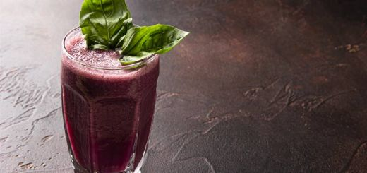 Blueberry Banana Basil Smoothie
