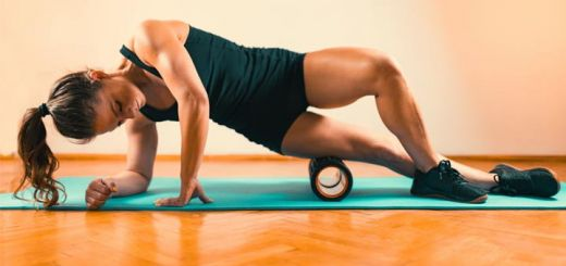 Roll Out: 6 Foam Rolling Moves Everyone Should Do