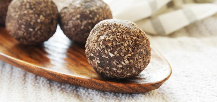 No-Bake Cashew Coconut Energy Balls