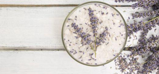 DIY Detox Bath Soak With Epsom Salt & Baking Soda