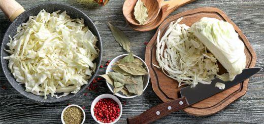 Raw Vegan Curried Cabbage Salad