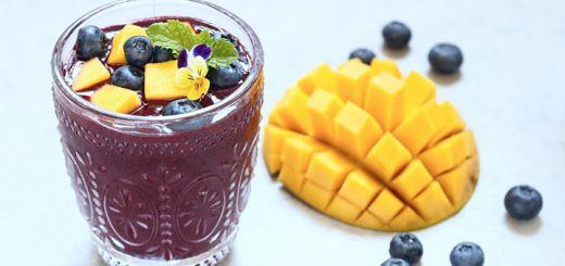 Mango Blueberry Smoothie With Chia Seeds