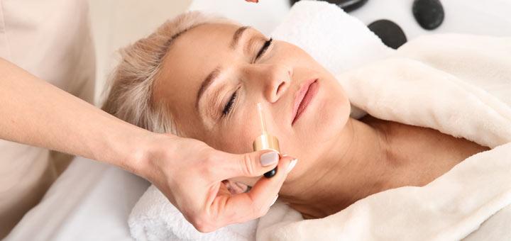 6 Essential Oils That Help Tighten Loose Skin